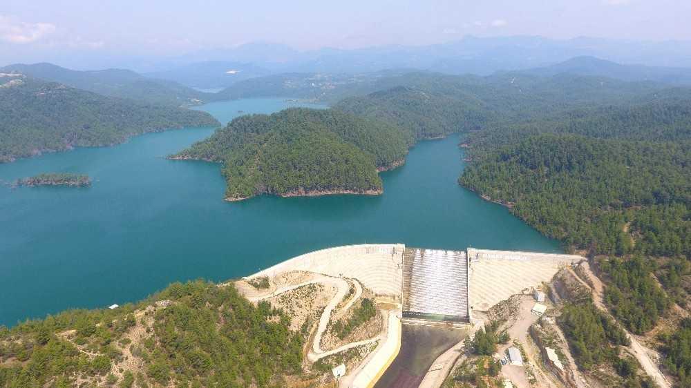 Antalya'da  458 bin 869 dekar tarım arazisi sulanmaya başladı