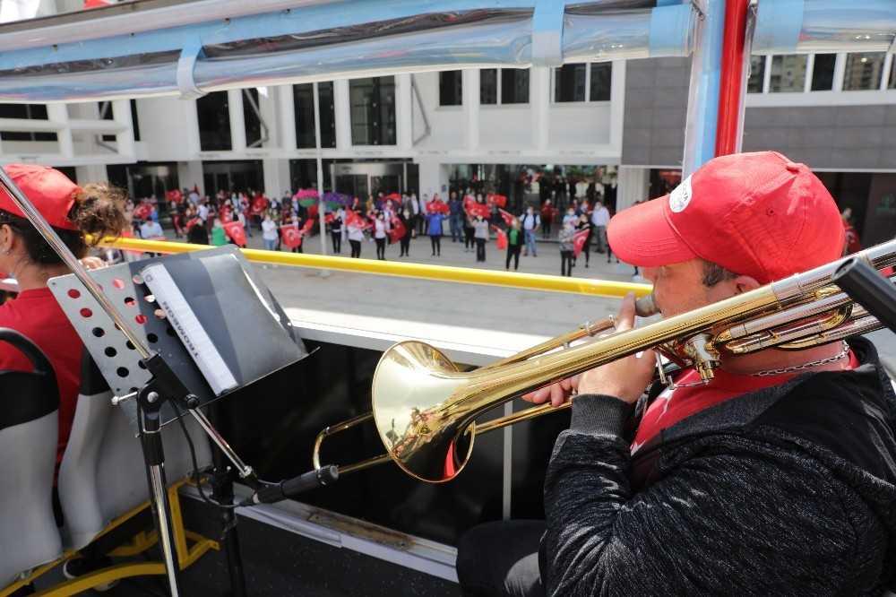 Büyükşehir bandosundan 23 Nisan konseri