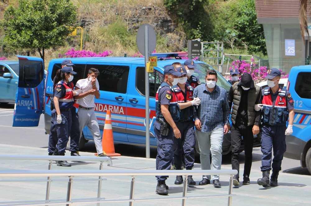 Antalya'da 12 ayrı yayla evinden hırsızlığa 2 tutuklama