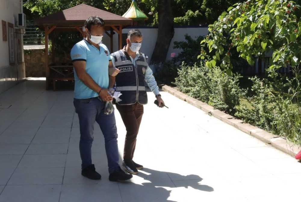 Antalya'da PTT görevlisinin motosikletini çalan şüpheli yakalandı
