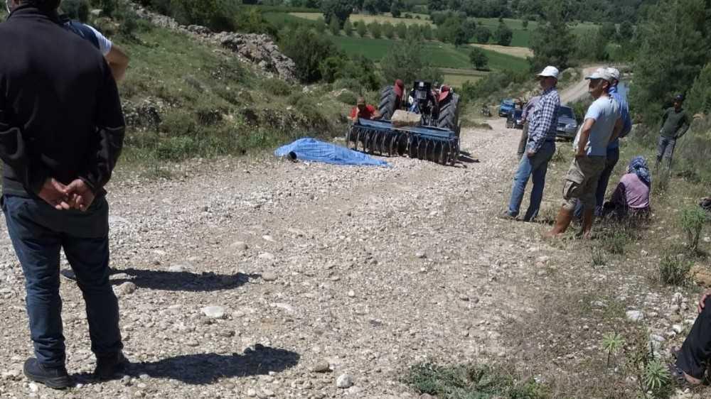 Antalya'da traktör kazalarında 2 kişi hayatını kaybetti