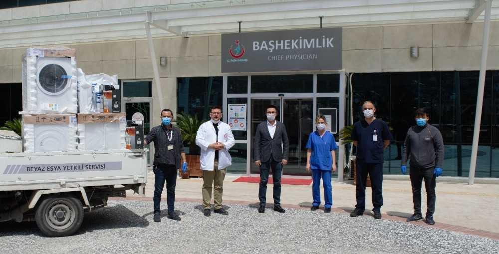Antalyalı iş adamlarından hastaneye beyaz eşya yardımı