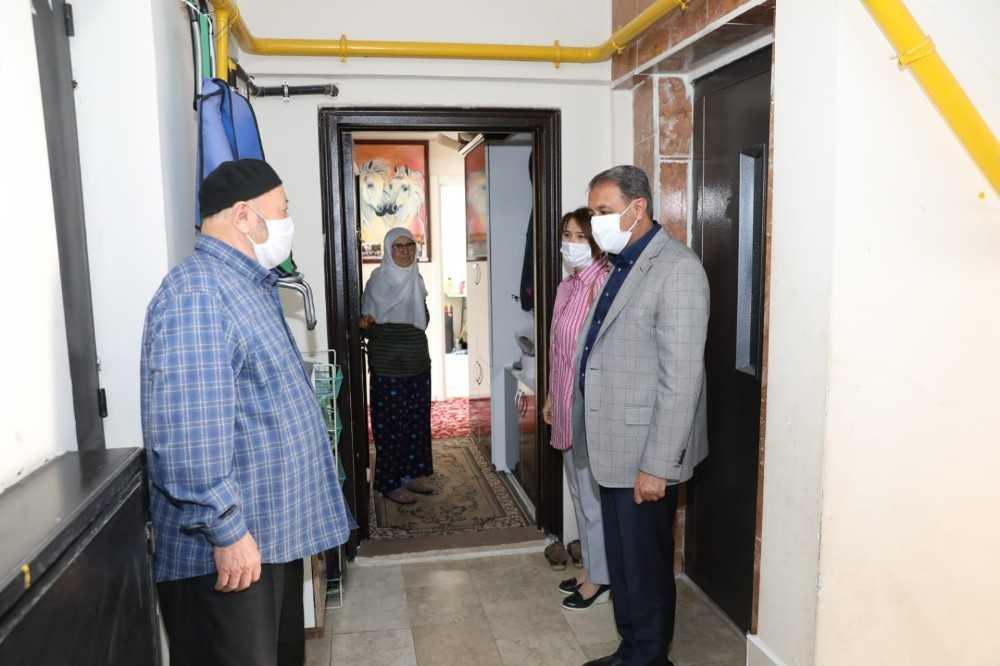 Bağkur emeklisi Mehmet amcanın valiyi duygulandıran bağışı
