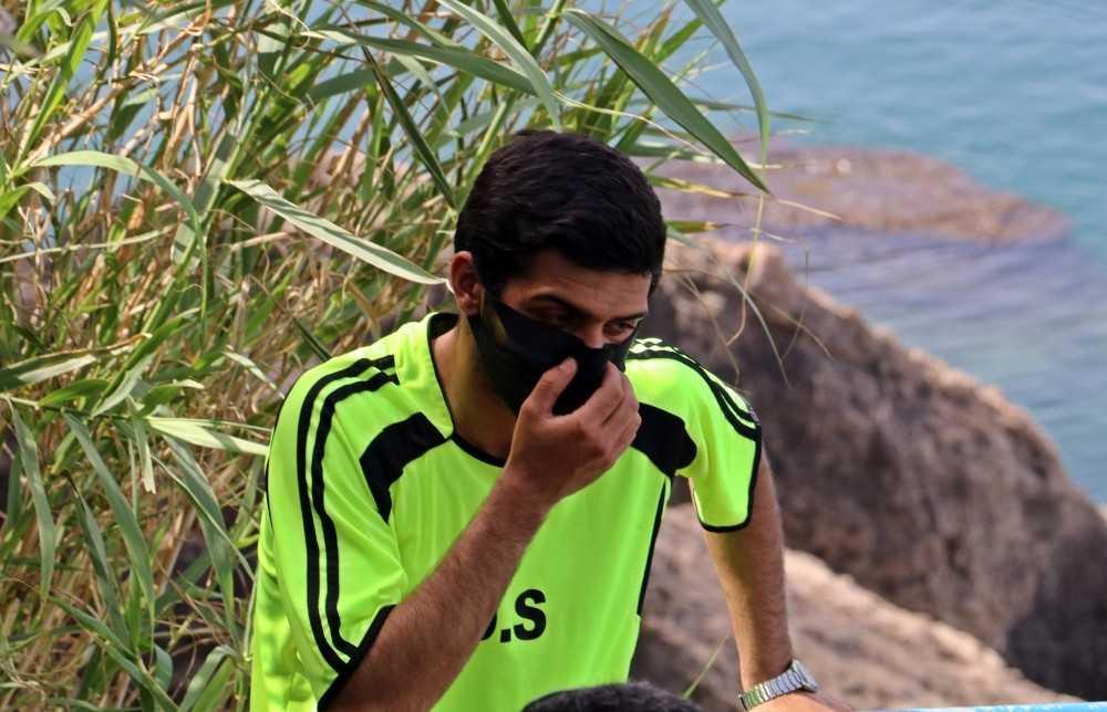 """Denize girmeye gelip ceza yiyen gencin baba korkusu: """"Babam eve almayacak"""""""
