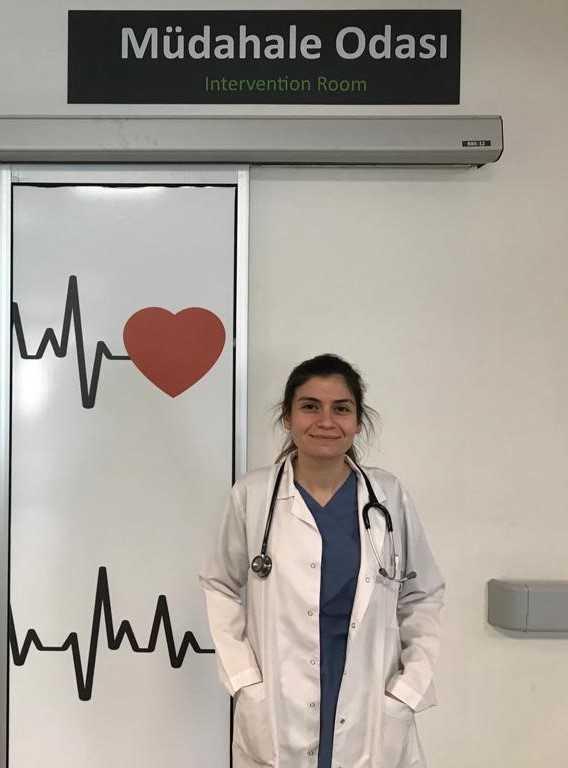 Finike Devlet Hastanesinde Acil Servis Hekimi göreve başladı