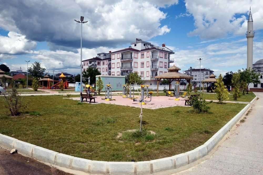 Habibler'e 2 bin metrekarelik park yapımı tamamlandı