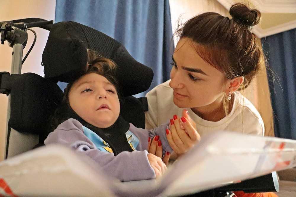 Yaşam savaşı veren oğlu için atılan 'gebersin' mesajını gören anne, yaşadığı acıyı paylaştı