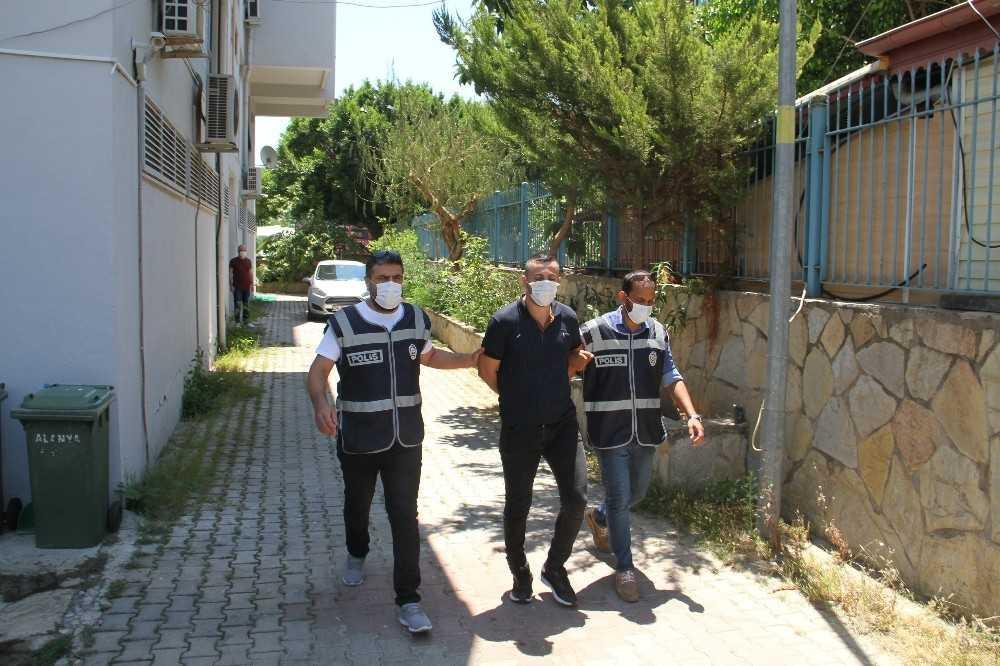Alanya'da 27 yıl hapis cezasıyla aranan cezaevi firarisi yakalandı