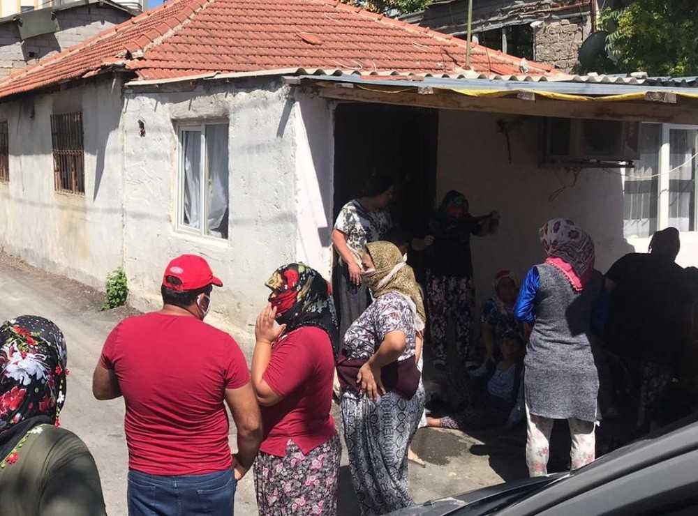 Antalya'da genç adam evinde ölü bulundu
