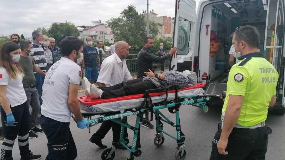 Antalya'da motosiklet kazası: 1 yaralı