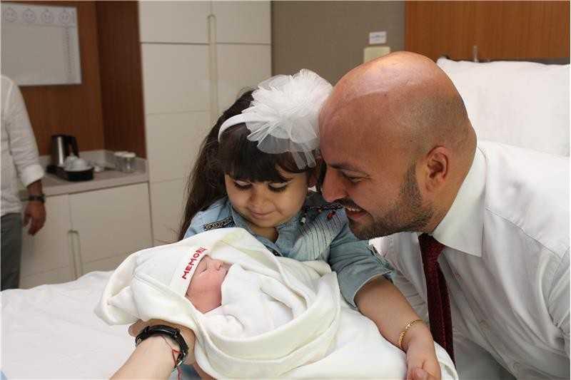 Antalyaspor Genel Müdürü Adem Kart, ikinci kez baba oldu