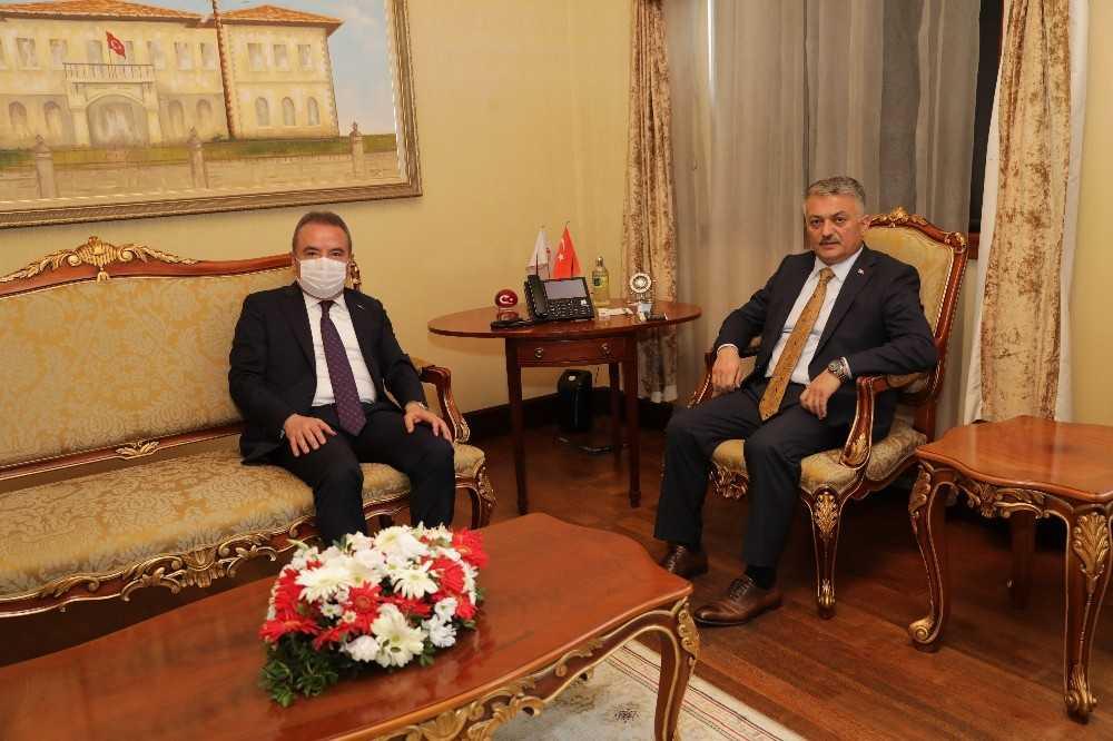 Başkan Böcek'ten  Vali Yazıcı'ya 'Hayırlı olsun' ziyareti