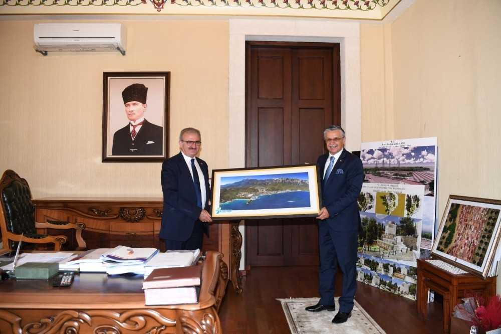 Başkan Topaloğlu'ndan Vali Karaloğlu'na 'Kemer' teşekkürü
