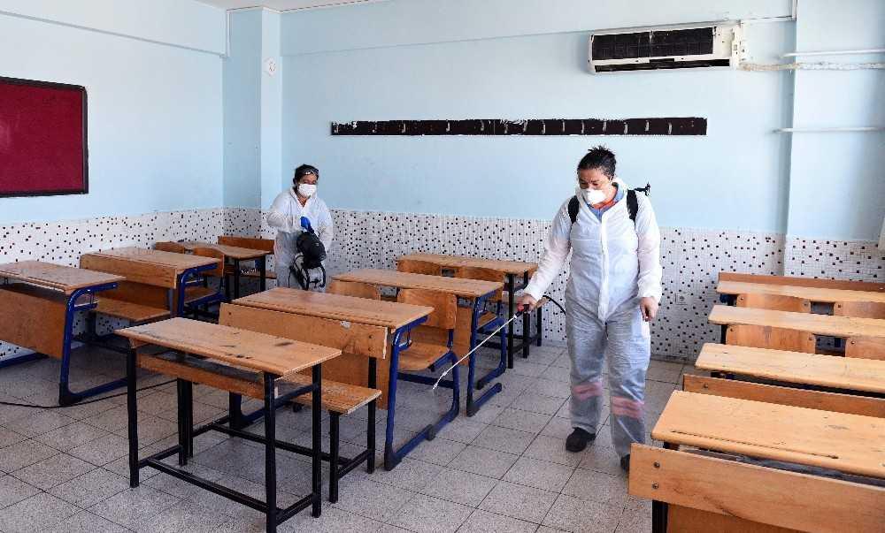 Sınavlar öncesi okullarda dezenfekte çalışması yapıldı