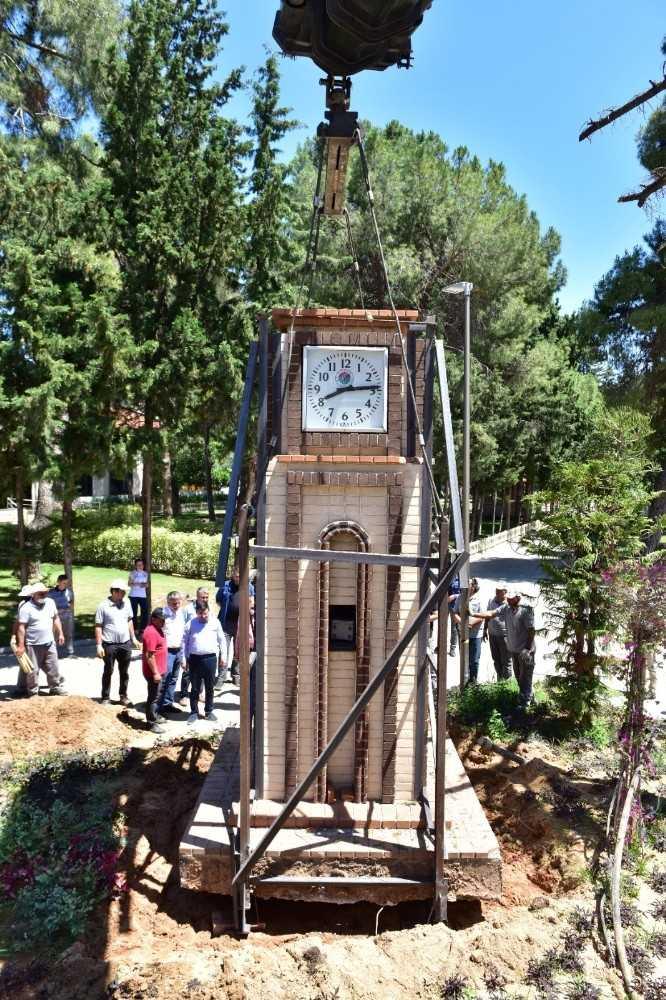 Kepezaltı-Santral'in sembol 'Saat Kulesi' DokumaPark'a taşındı