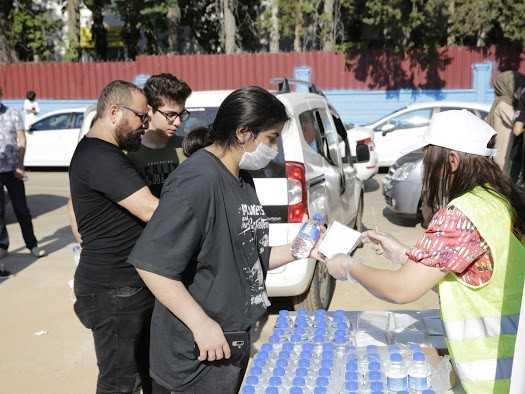 LGS öncesi öğrencilere maske, su ve kalem dağıtıldı