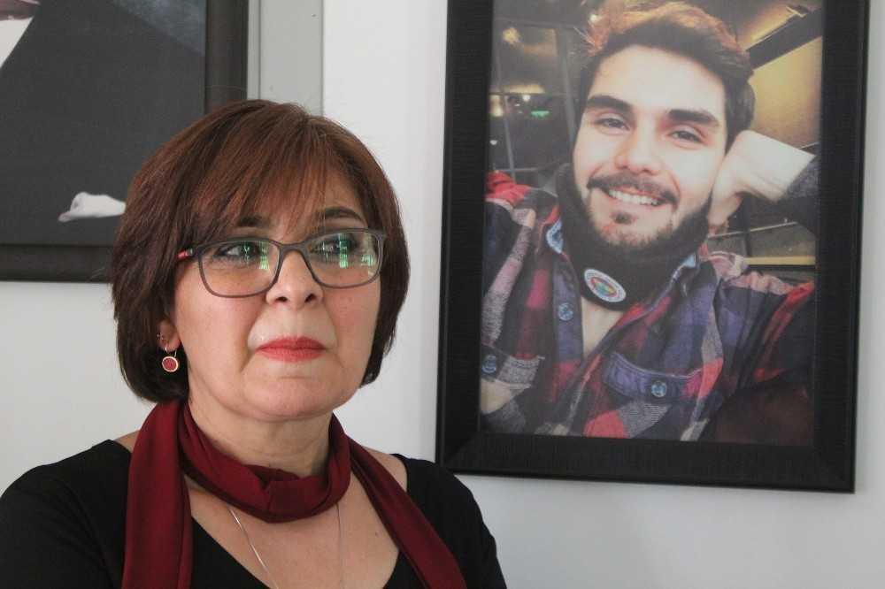 Öldürülen Survivor kameramanının annesi Aynur Baycın, oğlunun hatıralarıyla ayakta duruyor