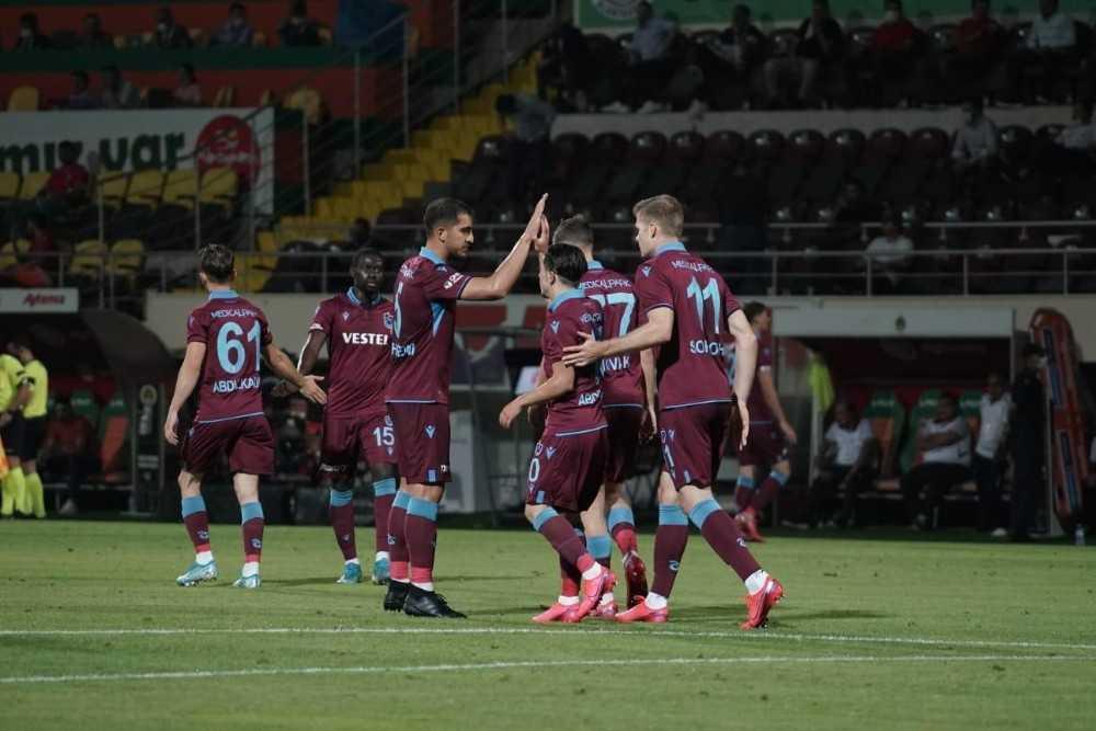 Süper Lig: Aytemiz Alanyaspor: 0 – Trabzonspor: 1 (Maç devam ediyor)