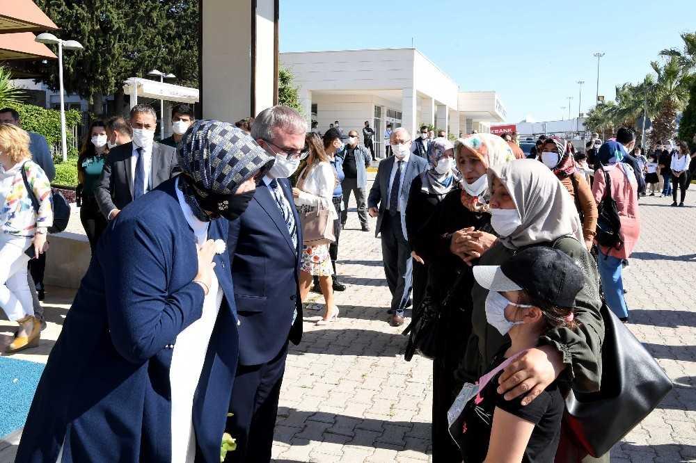 Vali Münir Karaloğlu Diyarbakır'a uğurlandı