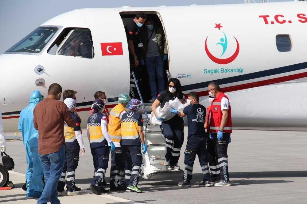 Yurda dönen siyam ikizleri Ankara Şehir Hastanesi'ne yerleştirildi