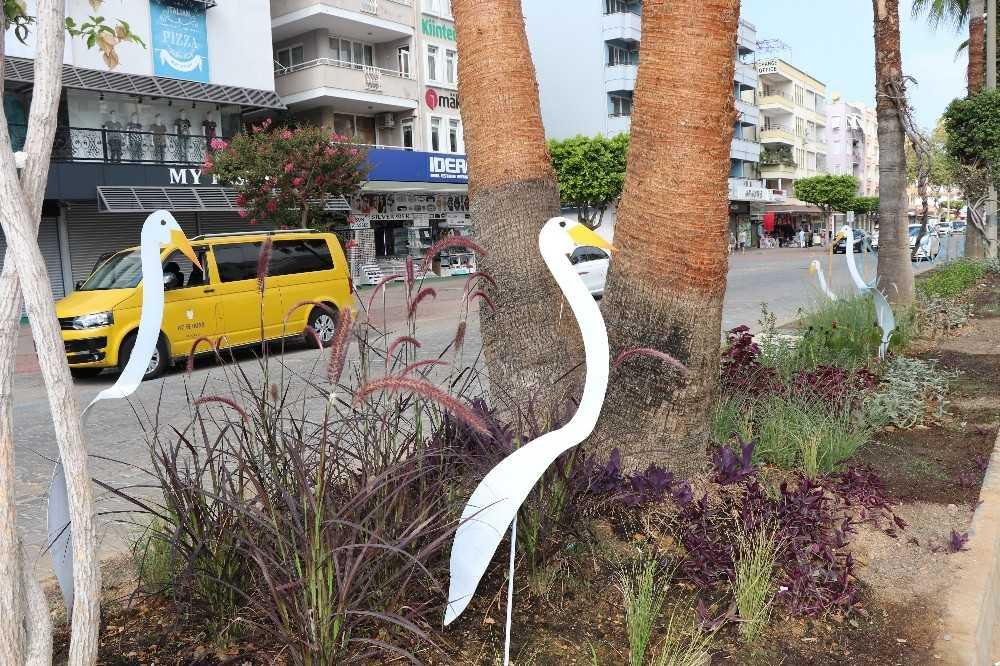 Alanya caddelerine sanatsal dokunuş