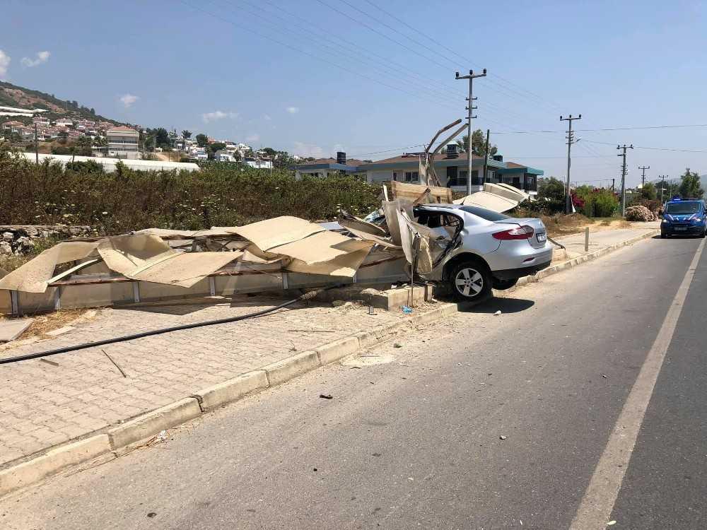 Alanya'da feci kaza: 1'i ağır 4 yaralı