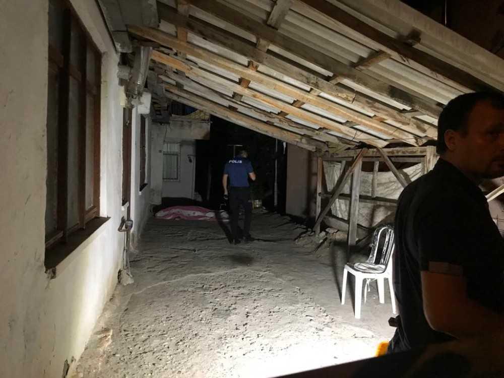 Evinin balkonundan düşen kişi hayatını kaybetti