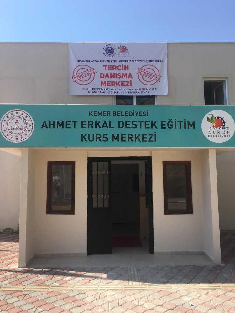 Kemer Belediyesi'nden öğrencilere danışma merkezi