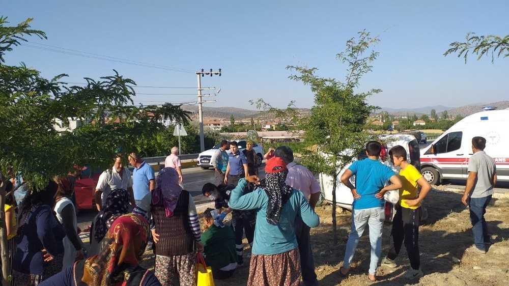 Korkuteli Fethiye Çevre yolunda kaza: 2 yaralı