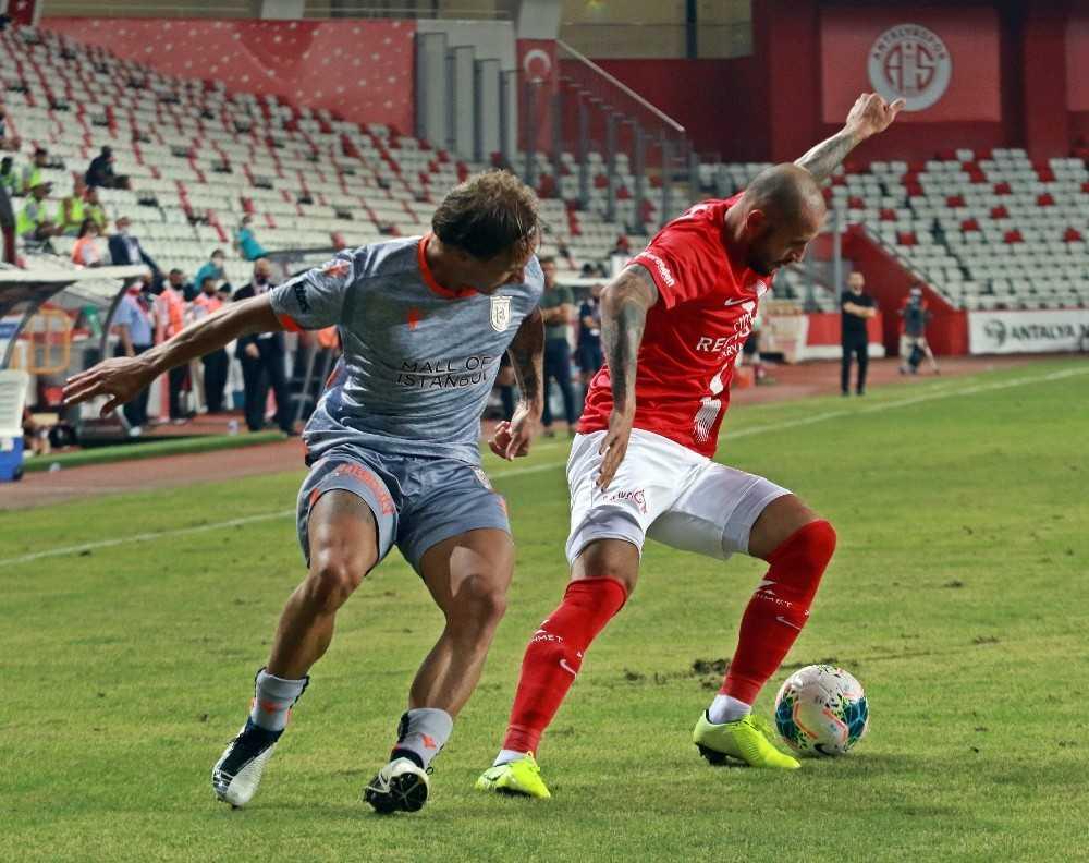 Süper Lig: Antalyaspor: 0 – Medipol Başakşehir: 2 (Maç sonucu)