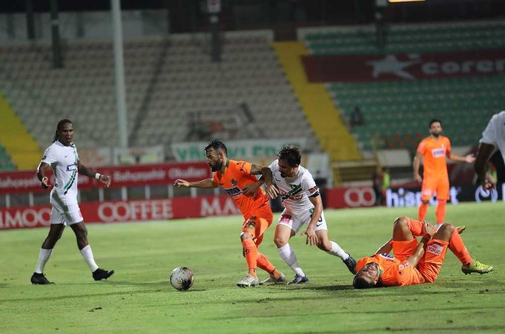Süper Lig: Aytemiz Alanyaspor: 0 – Denizlispor: 0 (İlk yarı)