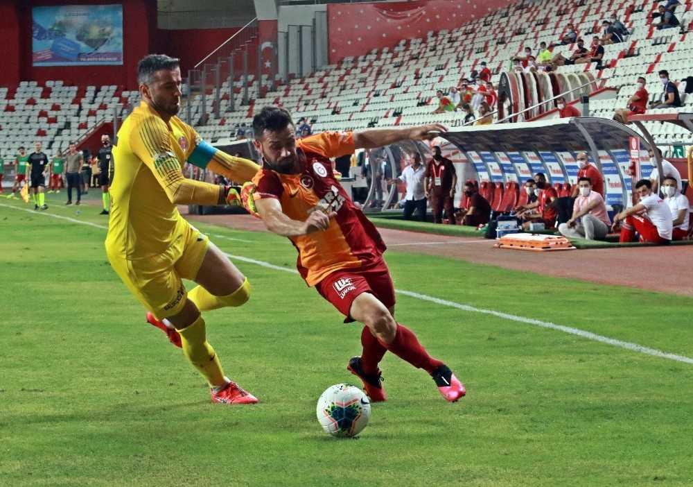 Süper Lig: Fraport TAV Antalyaspor: 1 – Galatarasaray: 0 (İlk yarı)