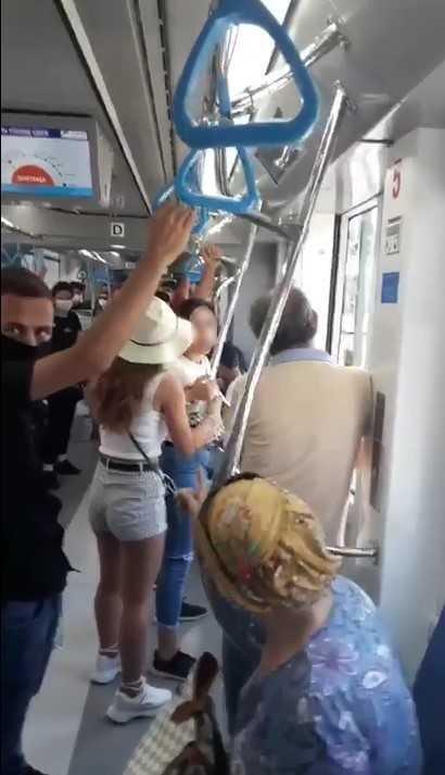 Tramvayda maske gerginliği
