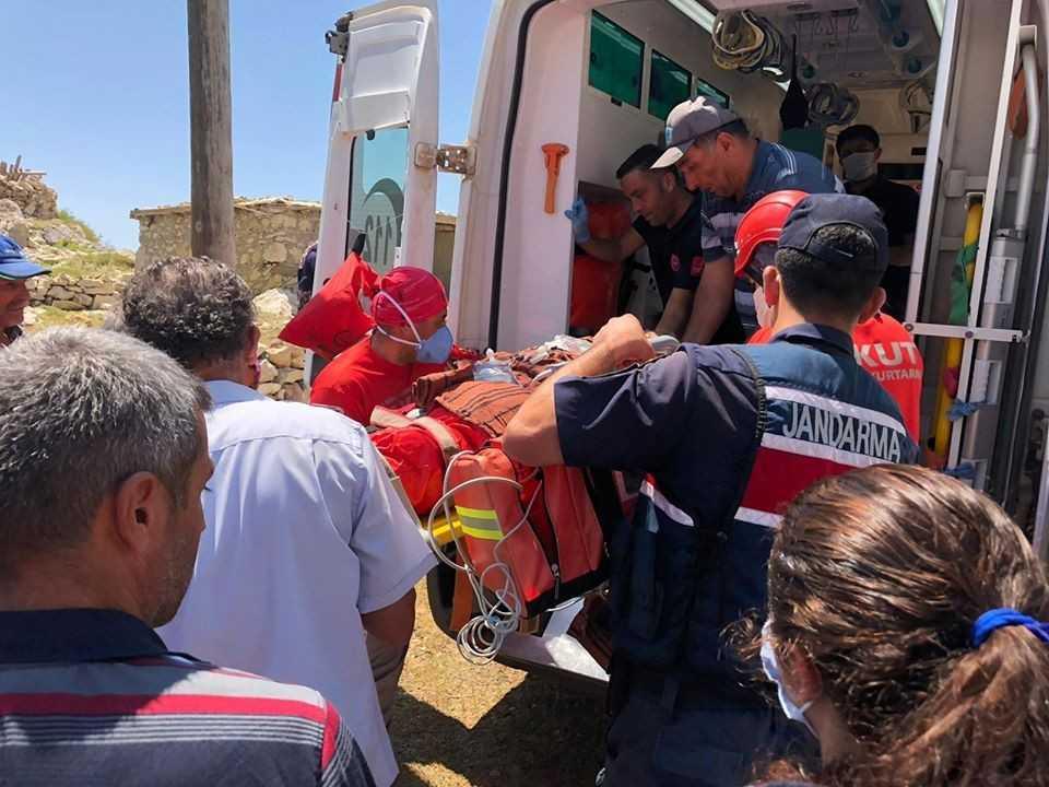 Yaylada 30 metrelik uçurumdan düşen çoban ağır yaralandı