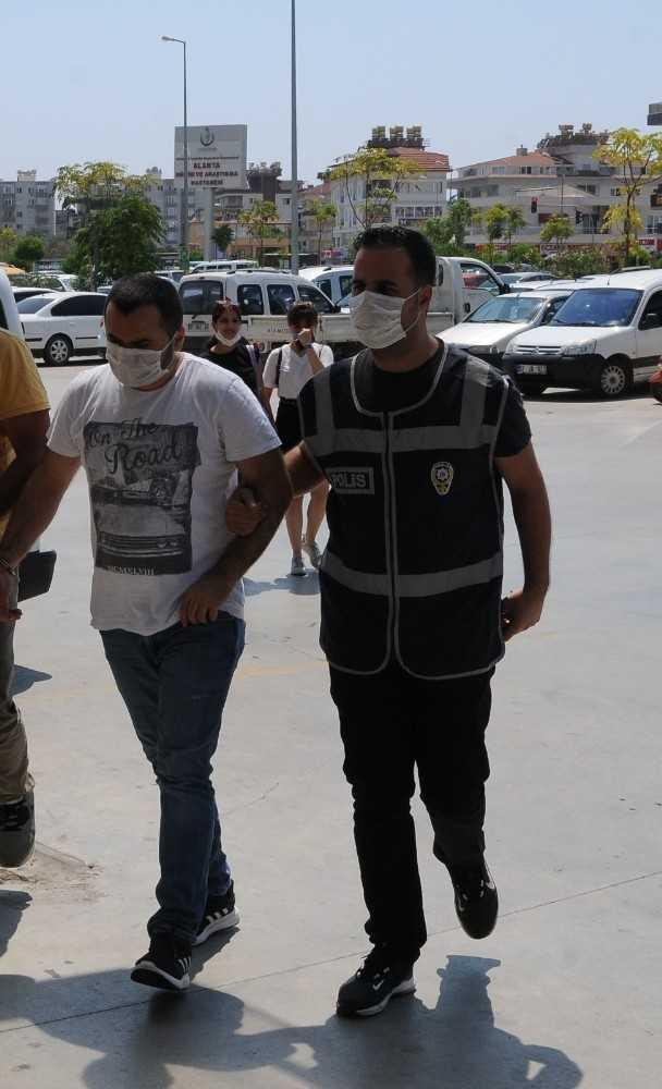 Alanya'da 13 yıl hapis cezası olan şüpheli, gizlendiği evde yakalandı