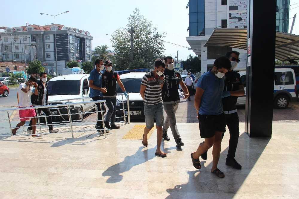 Alanya'da 2 ayrı uyuşturucu operasyonu: 8 gözaltı