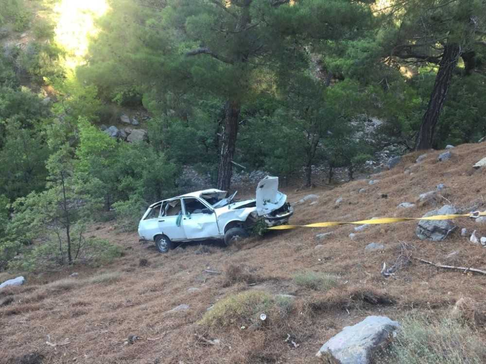 Alanya'da aracıyla uçuruma yuvarlanan sürücü öldü