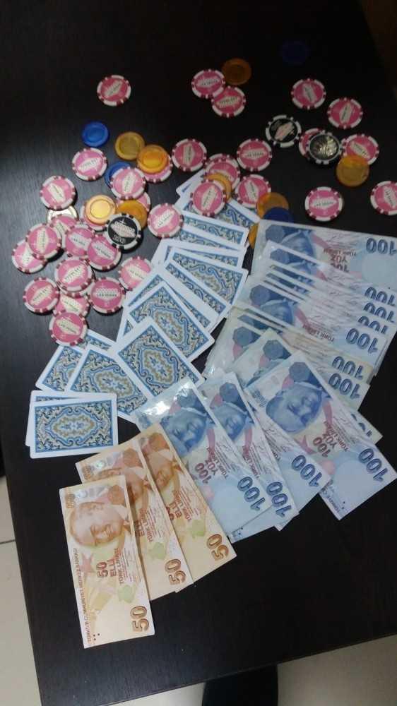 Alanya'da kıraathaneye kumar baskını