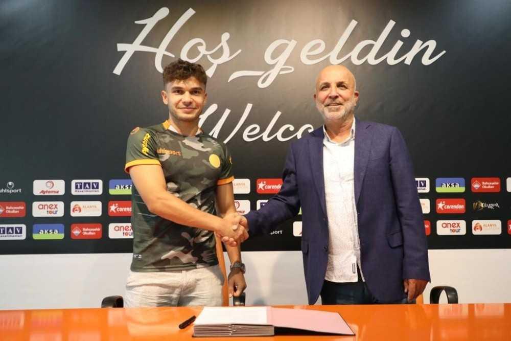 Alanyaspor, Ahmet Gülay'ı kadrosuna kattı