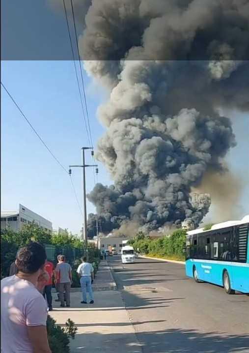 Antalya'da soğuk hava deposu üretimi yapılan fabrikada yangın