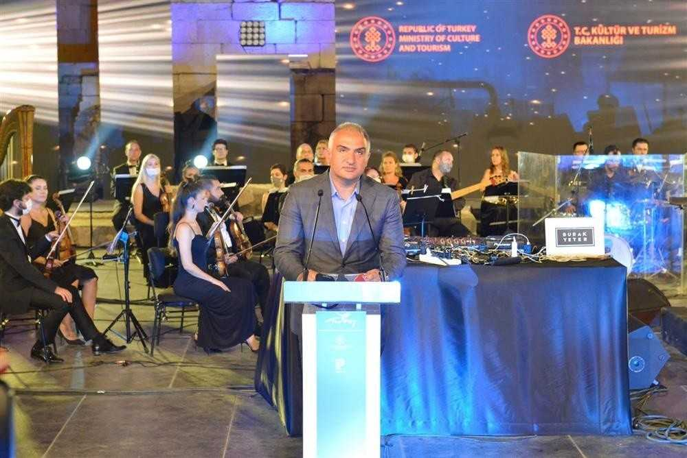 """Bakan Ersoy: """"2021'in yeniden Patara Yılı olarak ilan edilmesinin doğru olacağını düşünüyorum"""""""