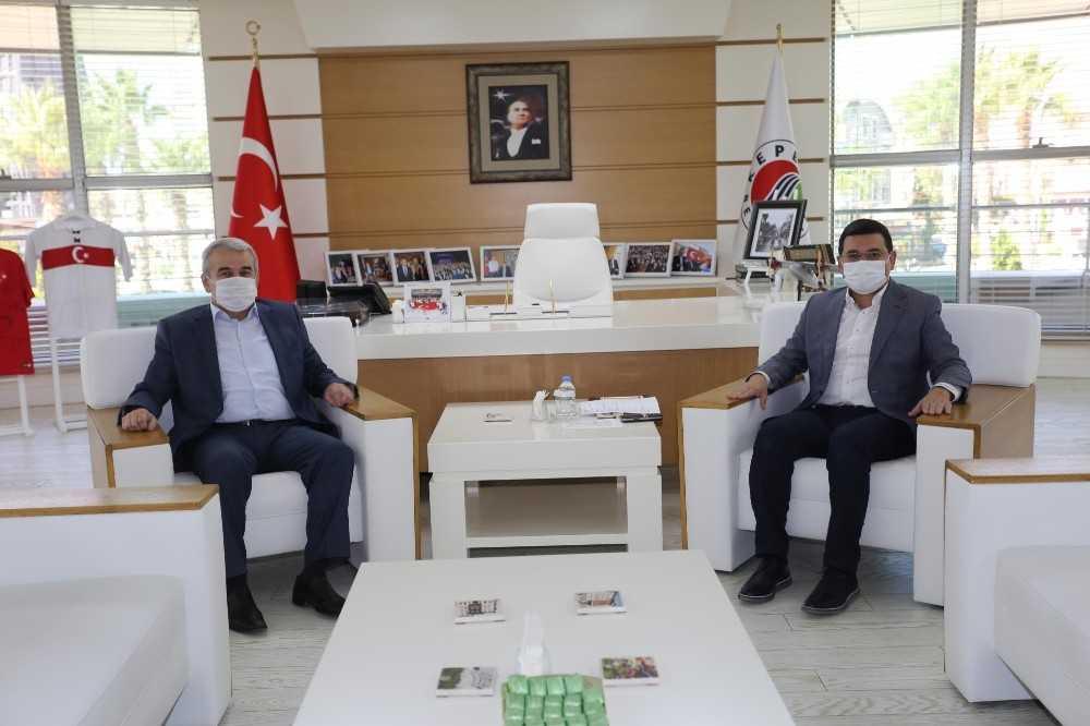 Başkan Tütüncü, Kepez kaymakamı Şahin'i ağırladı