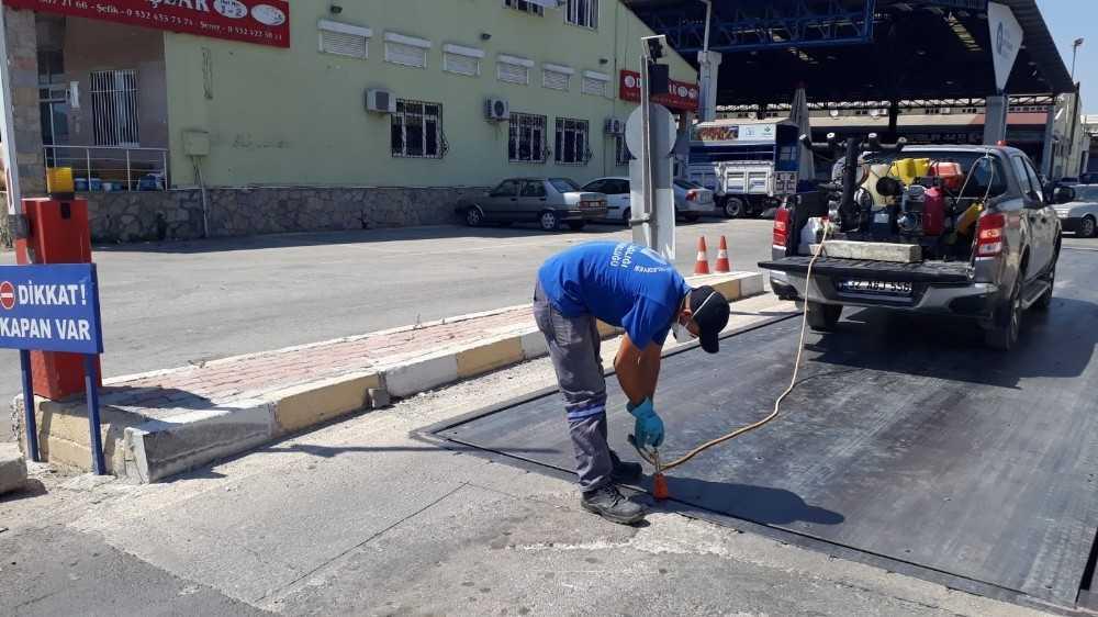 Büyükşehir Belediyesinden Kumluca ve Beykent Toptancı Halinde ilaçlama