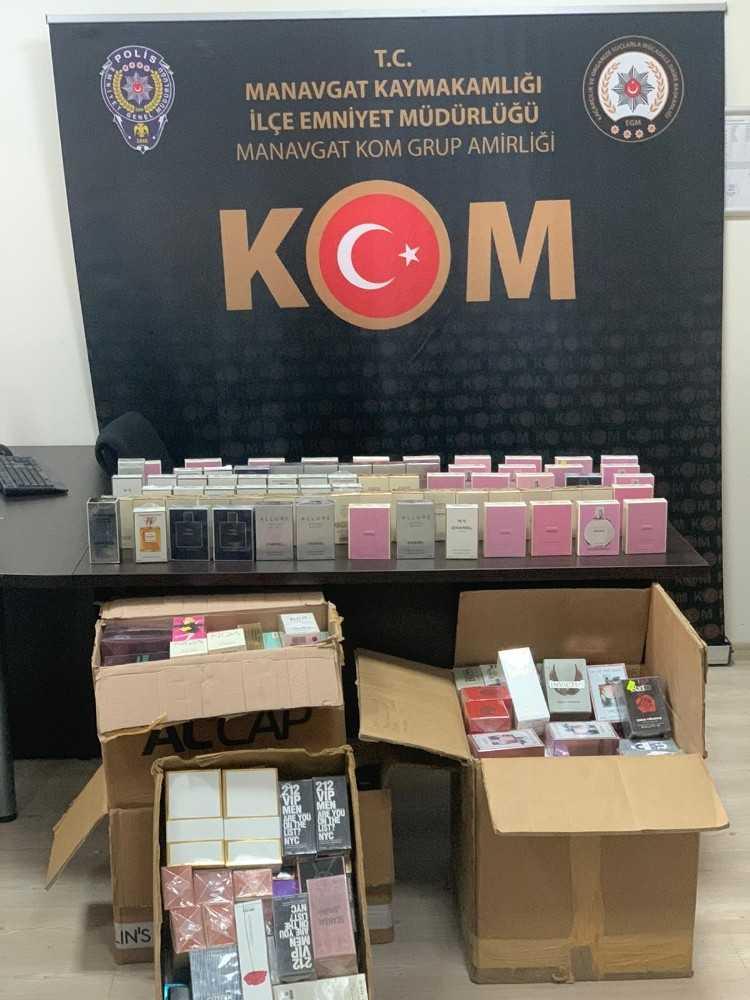 Gümrük kaçağı sahte parfümler polise takıldı