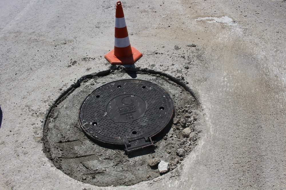 Manavgat'ta kapalı kanalizasyon bacaları yenileniyor