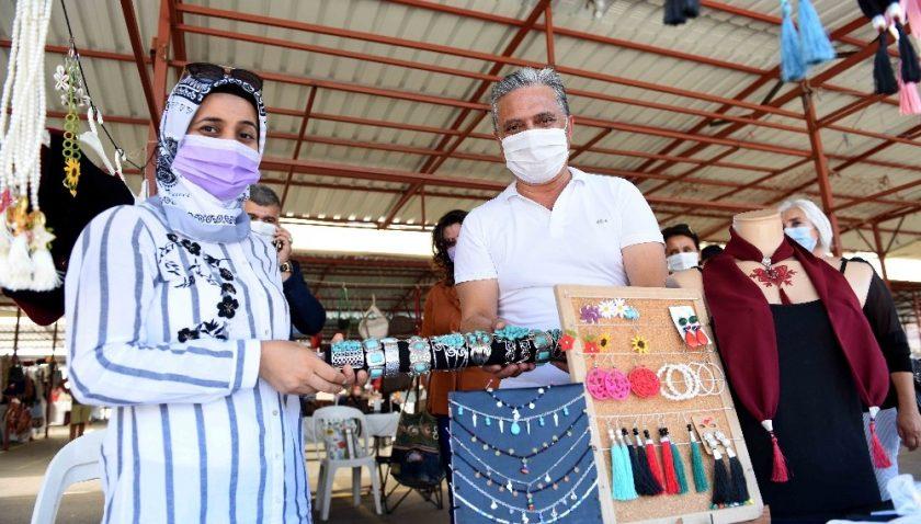 Muratpaşa'da, Üreten Eller Pazarı açıldı