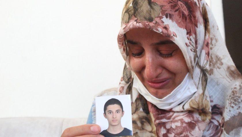 Oğlundan 1 aydır haber alamayan annenin gözyaşları dinmiyor