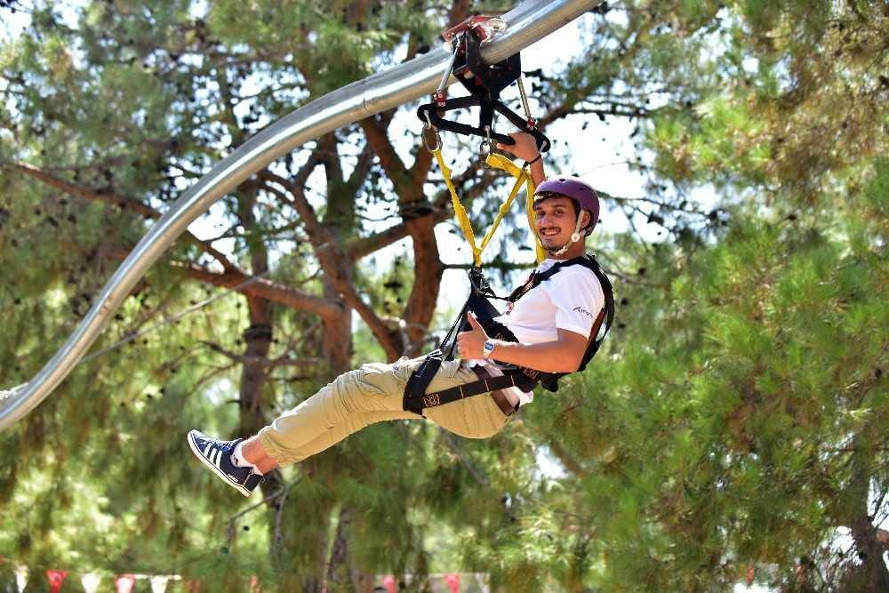 Türkiye'nin en uzun zip coasterı Kepez'de