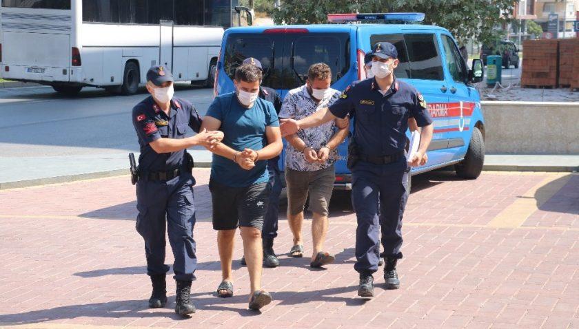 Alanya'da 1 ton bakır kablo çalan 2 hırsız tutuklandı