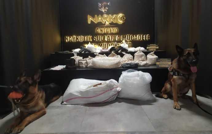 Antalya'da 35 kilo eroin ele geçirildi